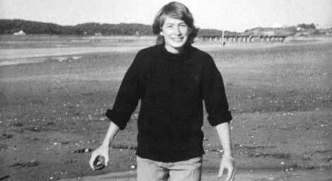 mary-oliver-on-beach-e1504875748577